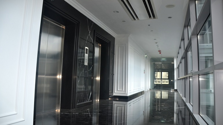 130217_Corridor_Lift_Front